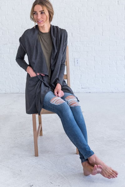 gray hooded cardigan with ripped skinny jeans