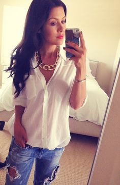 white button up linen shirt with ripped boyfriend jeans and gold chain necklace