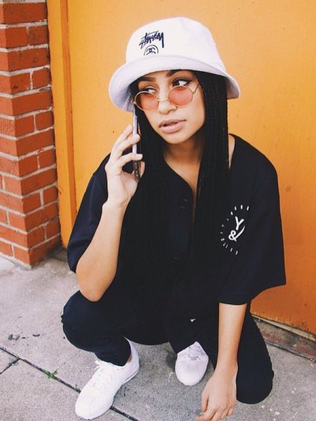 white bucket hat with black shirt jeans