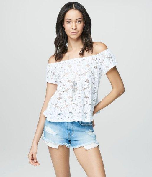 white lace of shoulder strap top light blue denim shorts