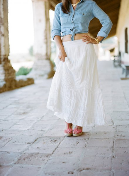light blue chambray knotted shirt white maxi deferred skirt