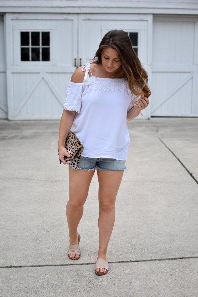 white top with denim shorts light pink slip sandals