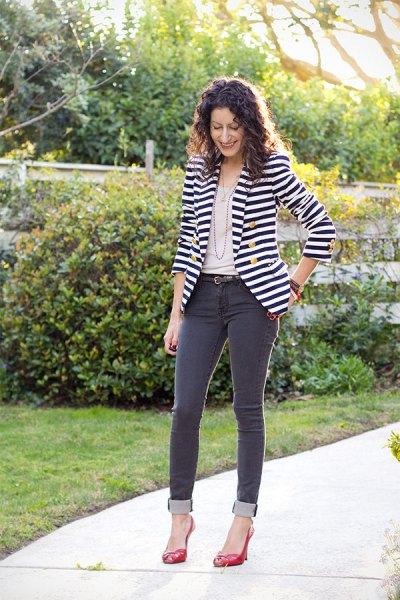 black and white striped blazer dark gray skinny jeans