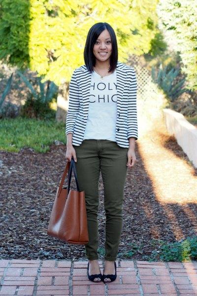 white print tee-green slim jeans