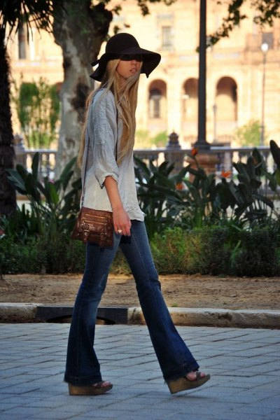 gray and white tie colored linen shirt with puffed jeans