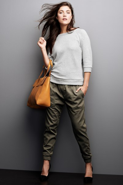gray sweater army green tapered leg joint