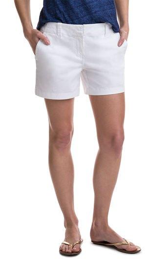 dark blue t-shirt white shorts