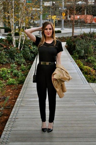 black t-shirt chinos gold waist belt