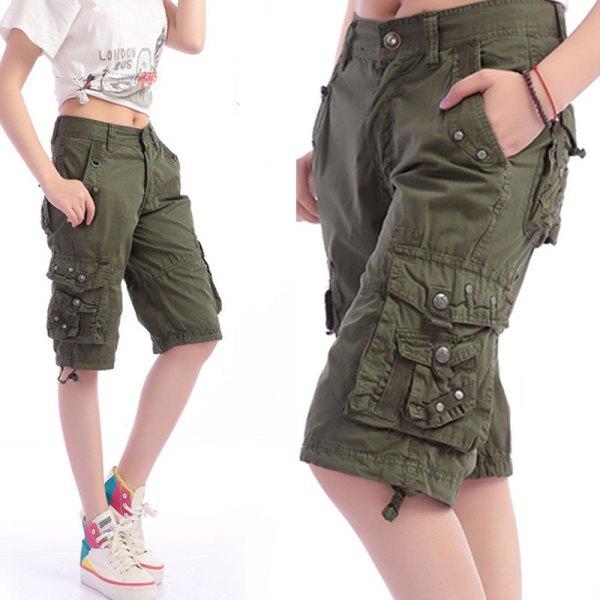 white knit print tee knee length khaki cargo shorts