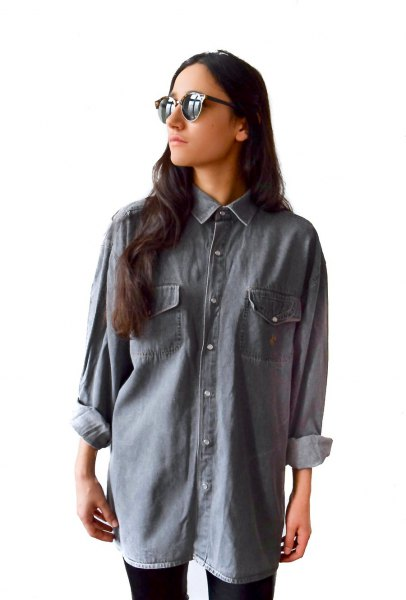 big gray denim shirt black skinny jeans