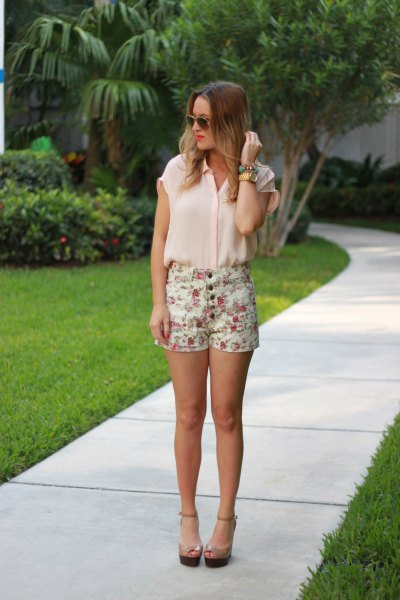 white chiffon sleeveless top printed shorts