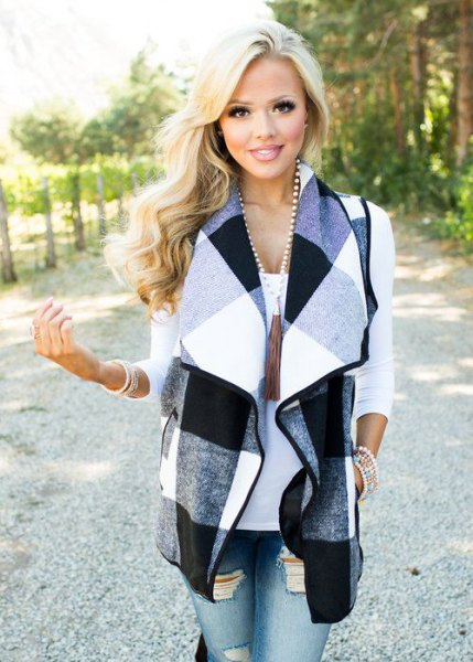 gray black and white plaid vest ripped skinny jeans