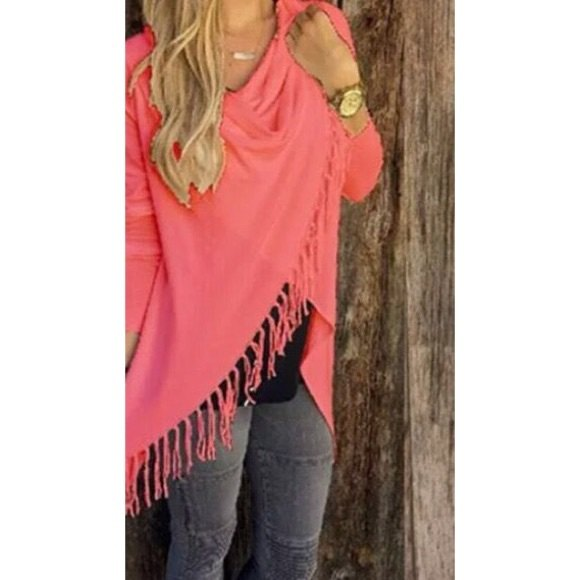 neon pink fringe wrap gray skinny jeans