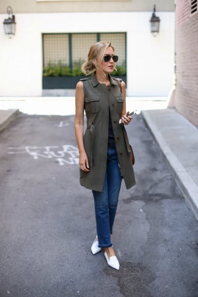 olive long-waisted dark blue skinny jeans