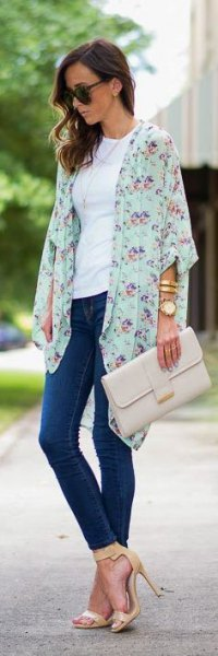 white floral chiffon cardigan white t-shirt blue skinny jeans