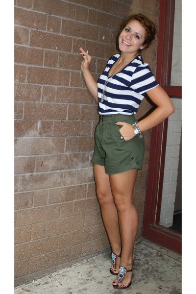 navy and white striped v-neck shirt