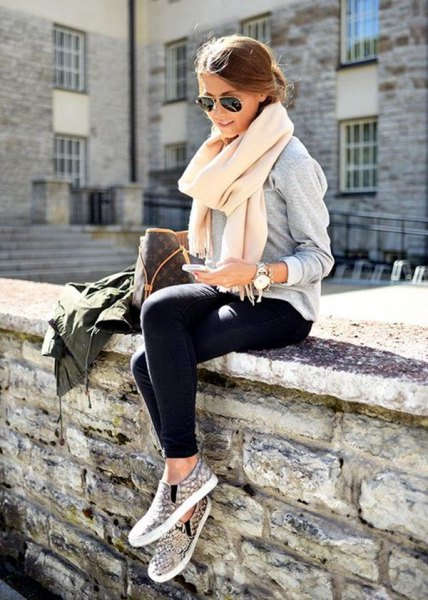 white cashmere scarf gray sweatshirt black jog book