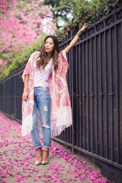 white lace frim kimono white tee boyfriend jeans