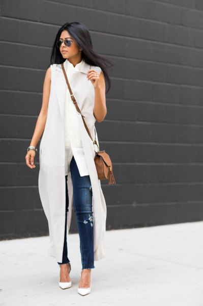 white maxi sleeveless shirt dress blue skinny jeans