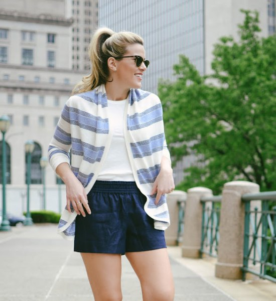 blue and white shoulder navy shorts