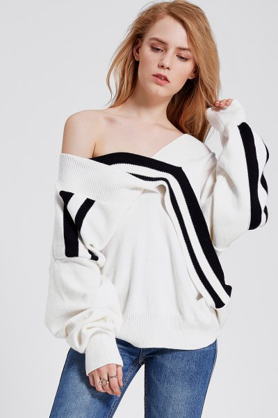 black and white shoulder strap sweatshirt jeans