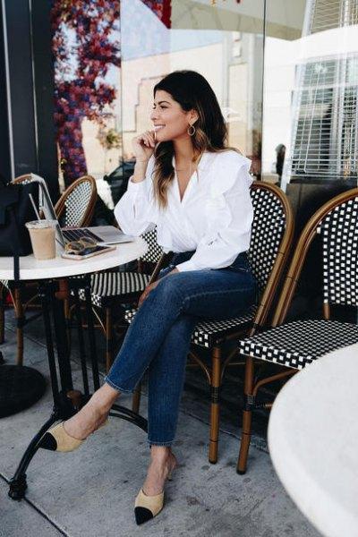white shirt blue skinny jeans pink heels