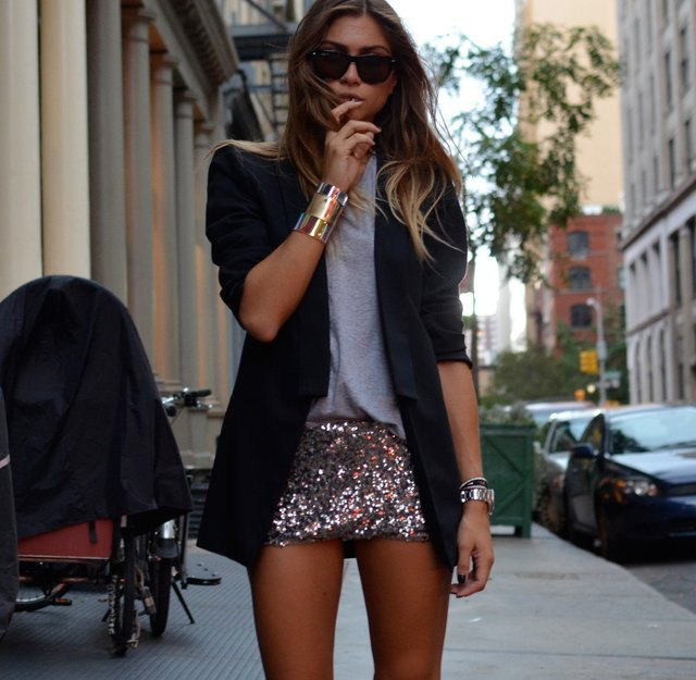 gray tee black oversized blazer