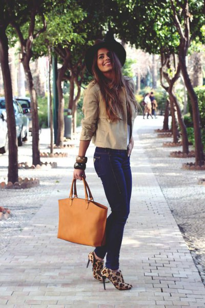 heeled leopard print shoes ivory blouse felt hat
