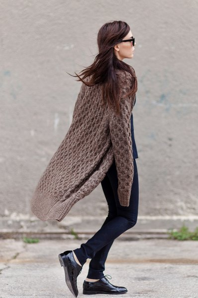 gray long cable knit cardigan skinny jeans