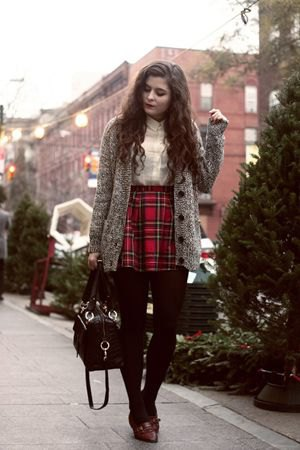 black and red plaid skirt gray oversized knitted coat