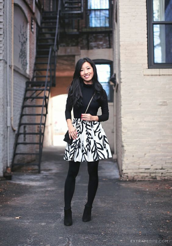 elastic waist skirt black white