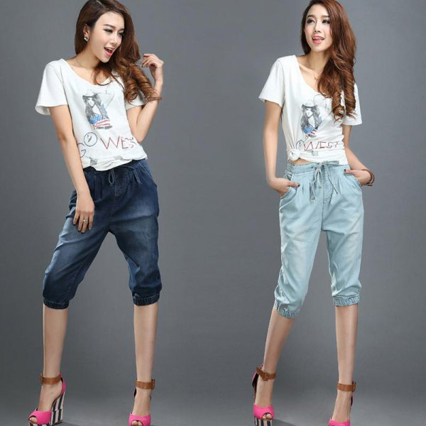 white print tee cropped elasticated waist jeans