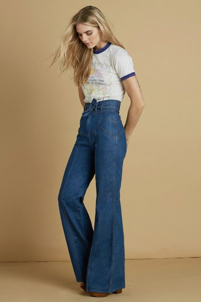 mini print tee high waist jeans with bell bottom