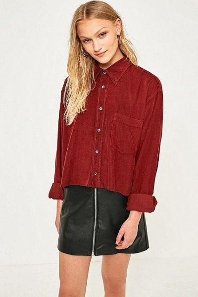 black zipper in leather in mini skirt