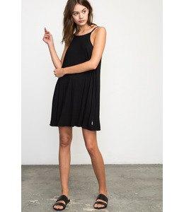 swing dress black sandals