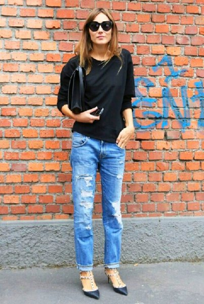 black dolman sleeve top boyfriend jeans