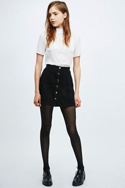navy blue skirt white t-shirt