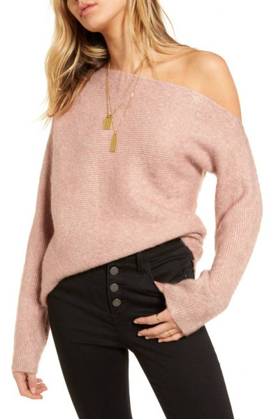 a shoulder gray ribbed sweater black jeans