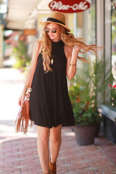 sleeveless swing dress straw hat