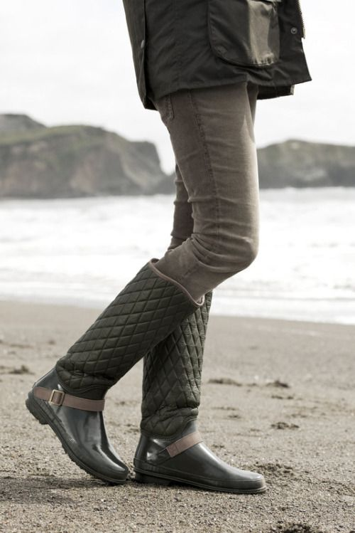 quilted boots green gray