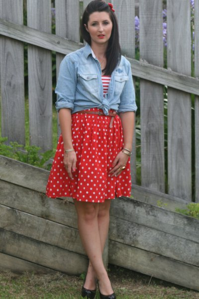 red pleated polka dot skirt tied chambray shirt