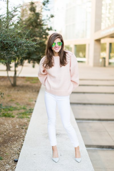 pink knitted sweater white jeans