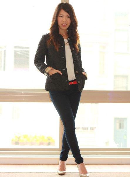 black jacket dark blue skinny jeans