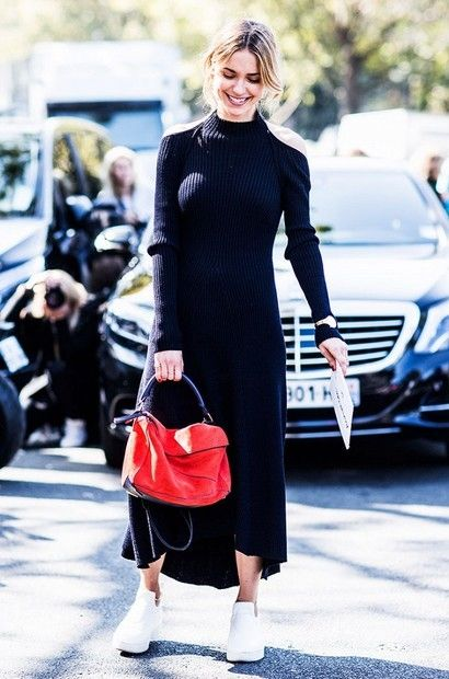 black knitted dress red bag