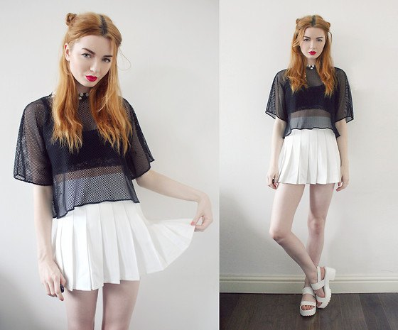 white tennis skirt black cropped tub top mesh top
