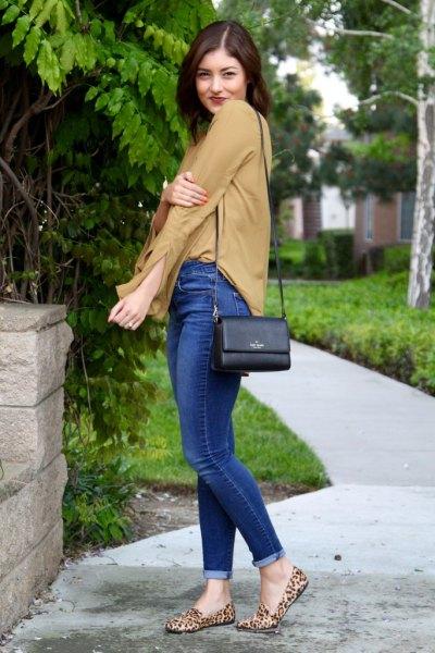 leopard print loafers orange chiffon blouse blue jeans
