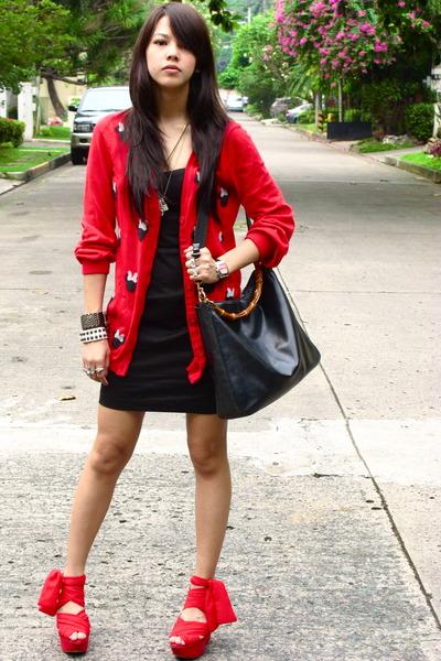 red platform heels red cardigan