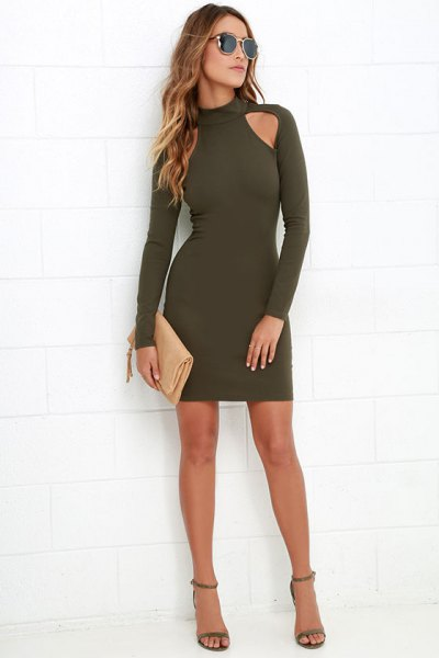green bodycon dresses with long sleeves on the shoulders