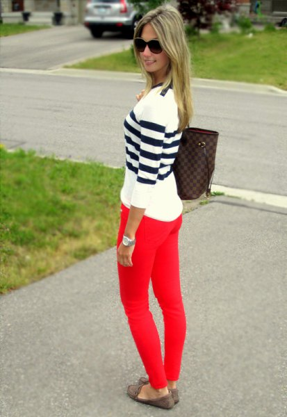 black and white striped sweater red skinny jeans