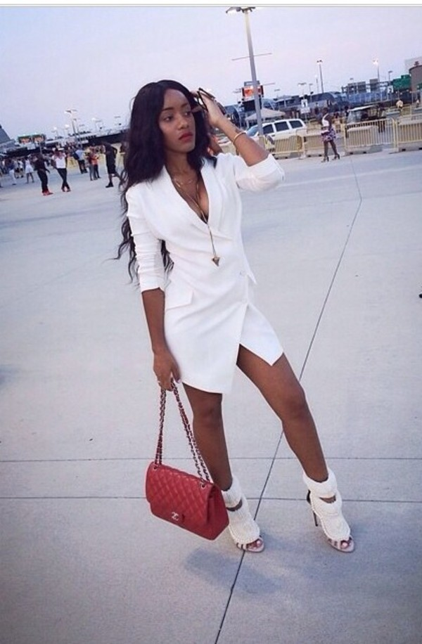 white blazer dress red bag